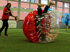 Teamanlass Bubblesoccer mit Red Devils